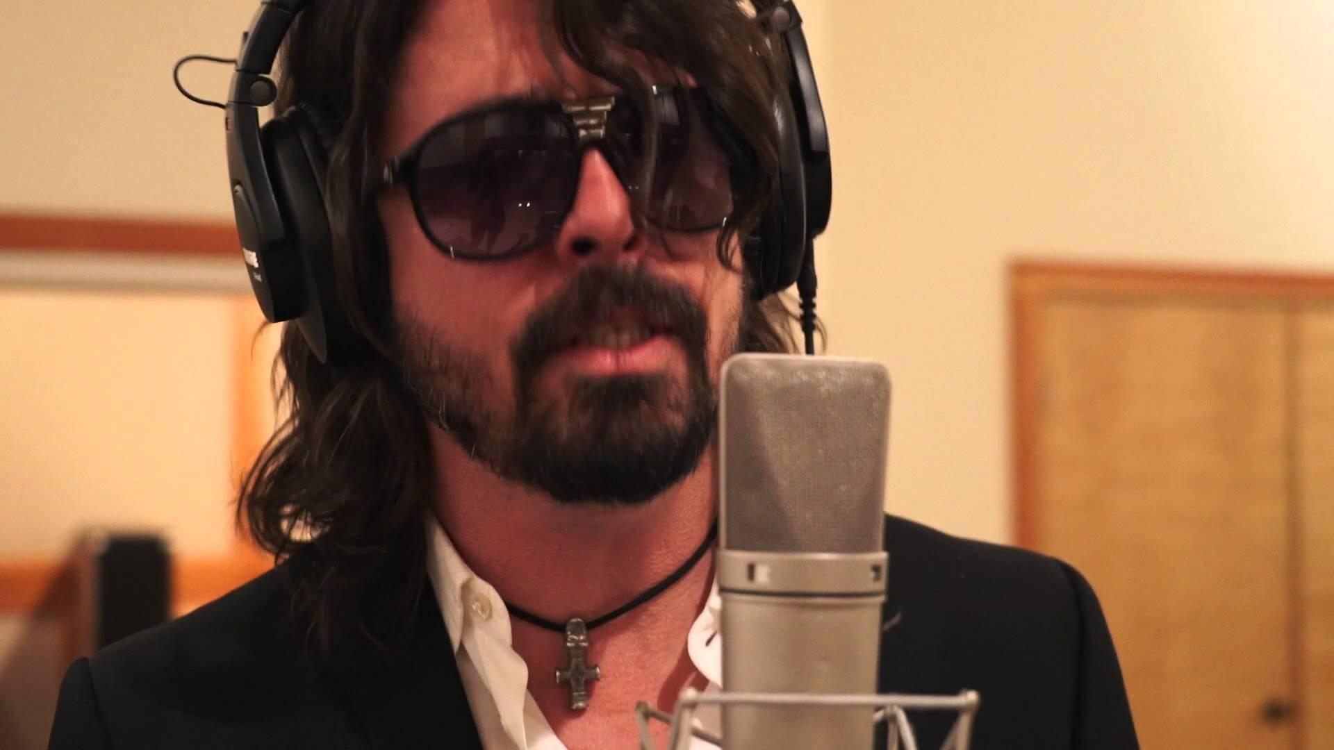 Foo Fighters Make Hilarious Announcement Video