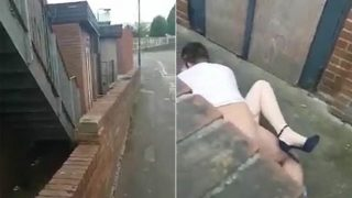 Man Catches Couple Having Sex In The Street And Does Epic David Attenborough Narration