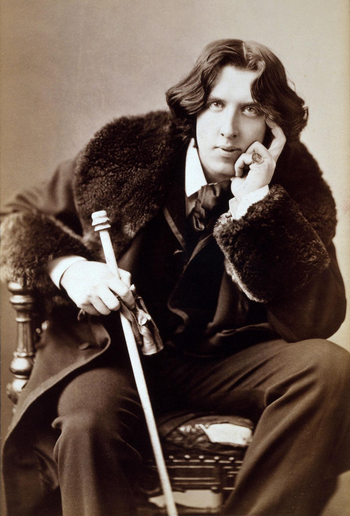 Wilde for the mummified dick