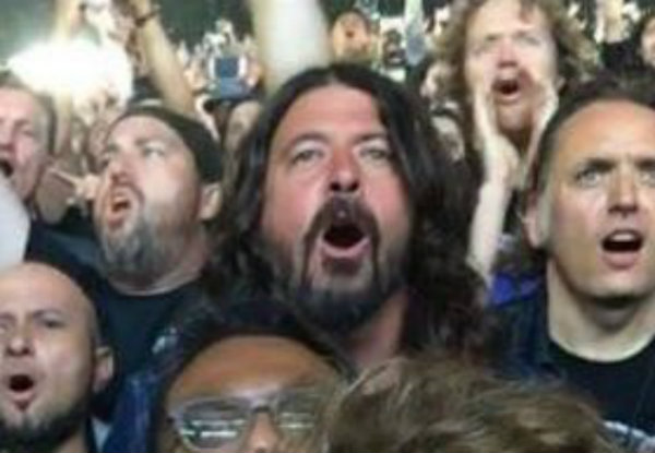 Dave Grohl Was Spotted Attending a Metallica Concert And He Didn't Hold Back!
