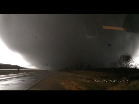 Bloke Has Biggest Balls In The World After Capturing This Footage In The Middle Of A Tornado
