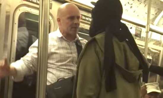 Old Dude Riding The Subway REFUSES To Be Intimidated By Man Claiming To Have Killed His Parents