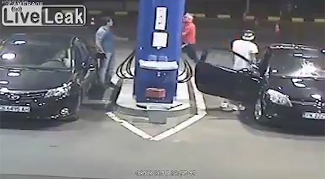 Bloke Refuses To Stop Smoking While Pumping Fuel, Employee Has Perfect Solution