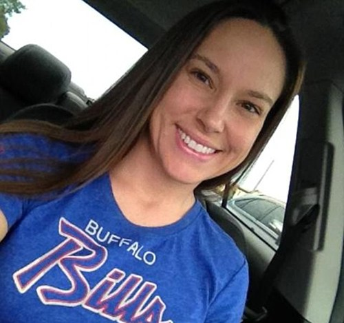 Freitas in a Bills t-shirt: she's obviously a bloody confused sheila