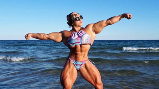 Female Powerlifter Returns To Sport After 18-Months Looking Swole As F*%k!