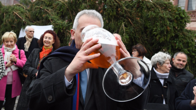 Science Confirms Blokes Should Get Drunk With Their Mates Twice A Week