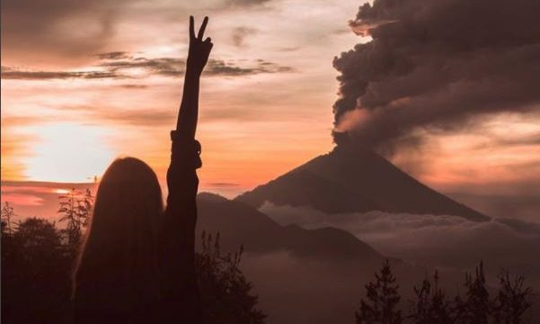 Thoughtless Tourist Poses In Front Of Erupting Volcano For Instagram Likes