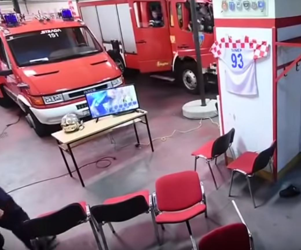 They were in the truck and on their way in under 30 seconds. Top work, boys! Credit: Zagreb Fire Department