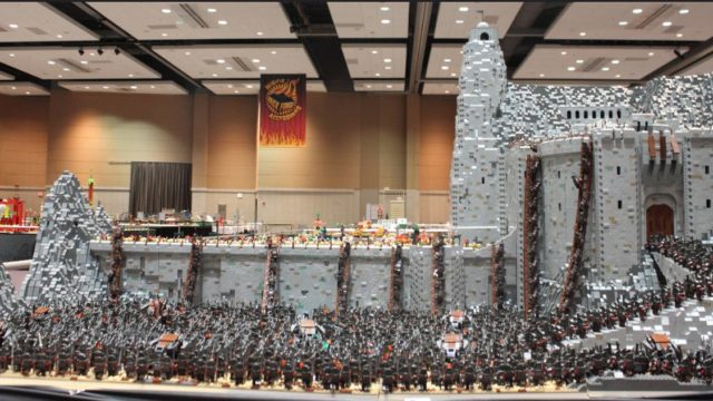 Bloke recreates Lord of the Rings scene with 150,000 Lego masterpiece