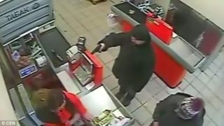 Man tries to rob a store but no one cares enough to give a sh*t
