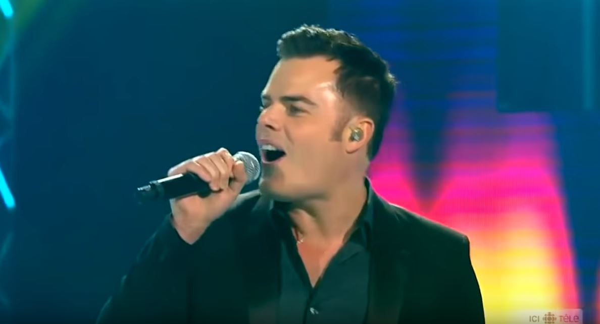 Martel rocking Somebody to Love on Canadian television. Credit: ICL Tele