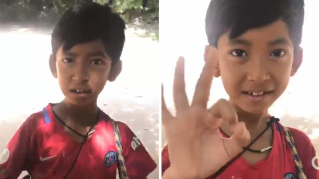 Cambodian boy wows tourists using over 10 languages to sell souvenirs