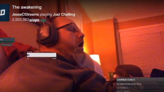 Bloke falls asleep during livestream, wakes to find 200 people watching him