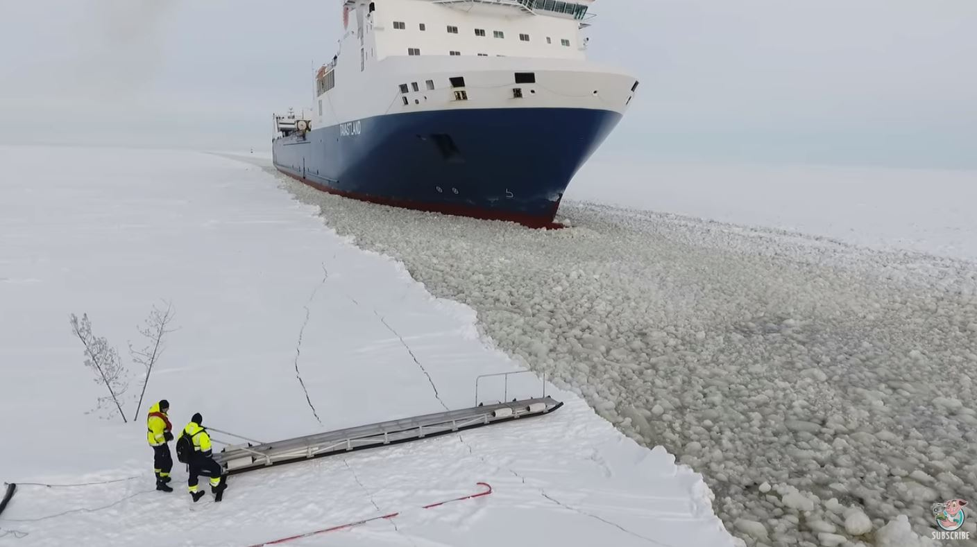 Bloke casually attempts to board moving ship