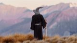 Lord of the Rings fan travels around New Zealand dressed in Gandalf costume