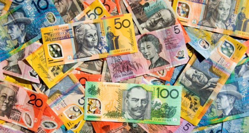 Someone has photoshopped the Aussie currency with some bloody legends