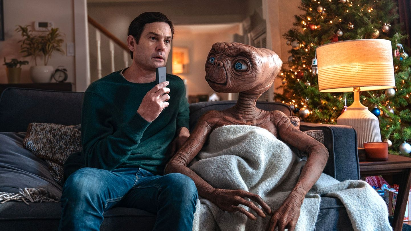 E.T. the Extra-Terrestrial Reunites with Elliott 37 Years Later