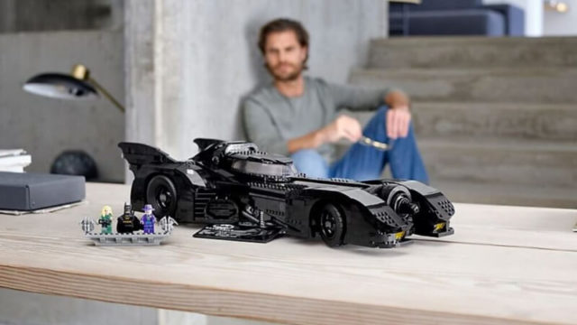 Lego have released a 3,300 piece Batmobile set and it's bloody unreal