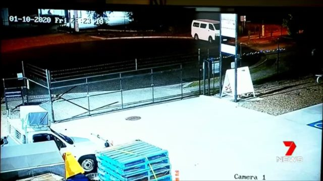Footage captures moment car thieves get caught by bloke they stole car from