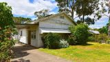 Real estate listing photos are creeping out house-hunters in Oz City