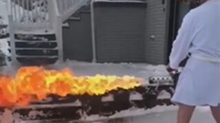 Kentucky bloke goes viral for clearing snowy driveway with flamethrower