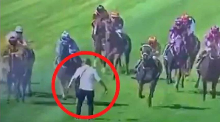 F@*#en lunatic runs onto racecourse during event