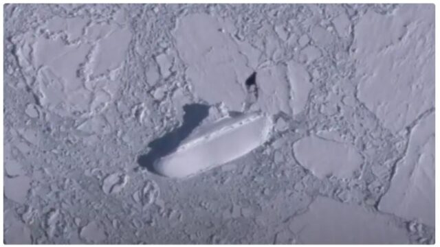 """Google Earthers find mysterious """"ice ship"""" in the Antarctic"""