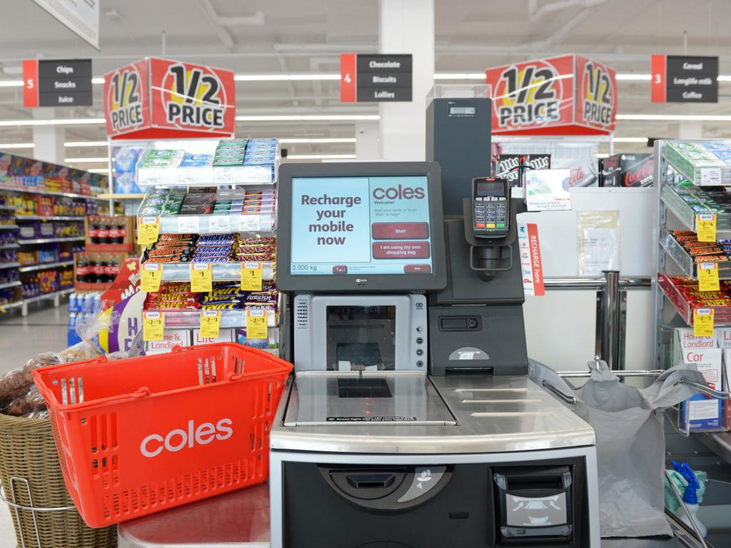 Young cashier's act blows away shoppers